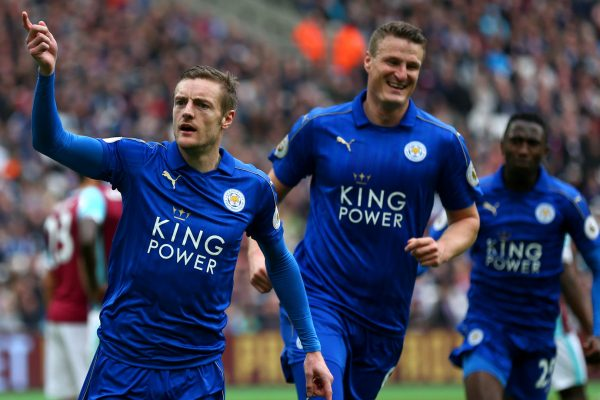 STRATFORD, ENGLAND - MARCH 18:  Jamie Vardy of Leicester City (L) celebrates scoring his sides third goal with Robert Huth of Leicester City (R) during the Premier League match between West Ham United and Leicester City at London Stadium on March 18, 2017 in Stratford, England.  (Photo by Steve Bardens/Getty Images)